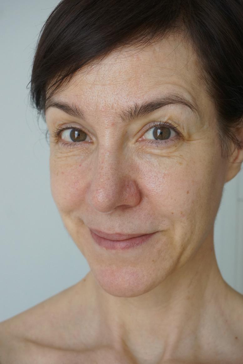 Mit Judith's Favorites lancierte Judith Williams eine Make up Kollektion bei dm, die jeder Frau schmeicheln soll. Schminktante Anja Frankenhäuser zeigt im Tutorial ausgewählte Produkte der Linie und kreiert einen harmonischen Alltagslook mit Styp-by-Step-Anleitung.