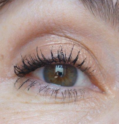 Make-up-Tutorial: Golden Eye in 5 Minuten
