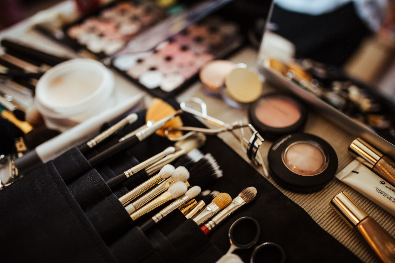 Brautstylings vom Profi - ab sofort können bei der Schminktante Frisuren und Make ups für Eure Hochzeit bei der Schminktante im Raum Karlsruhe und Umgebung gebucht werden.