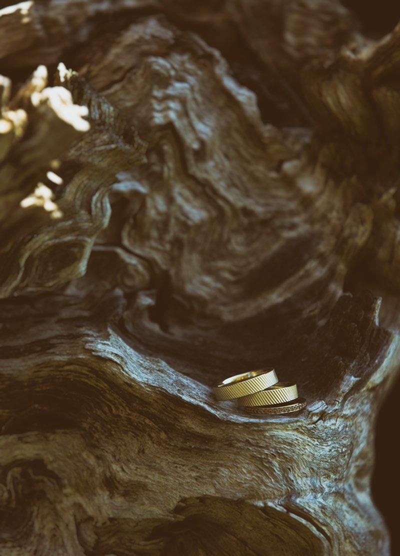 Handgefertigte, goldene Eheringe aus der Schmuckdiele Langguth.