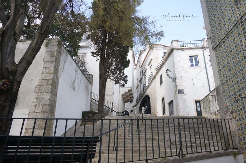 Alfama, Stufen, Kirche, Gebäude, Fassade, Lissabon, Städtetrip, Portugal, Lissabon, Reise, Reisetipps, Reisen, Travel
