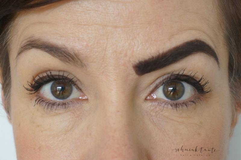 Augenbrauenformen nachziehen richtig und falsch.