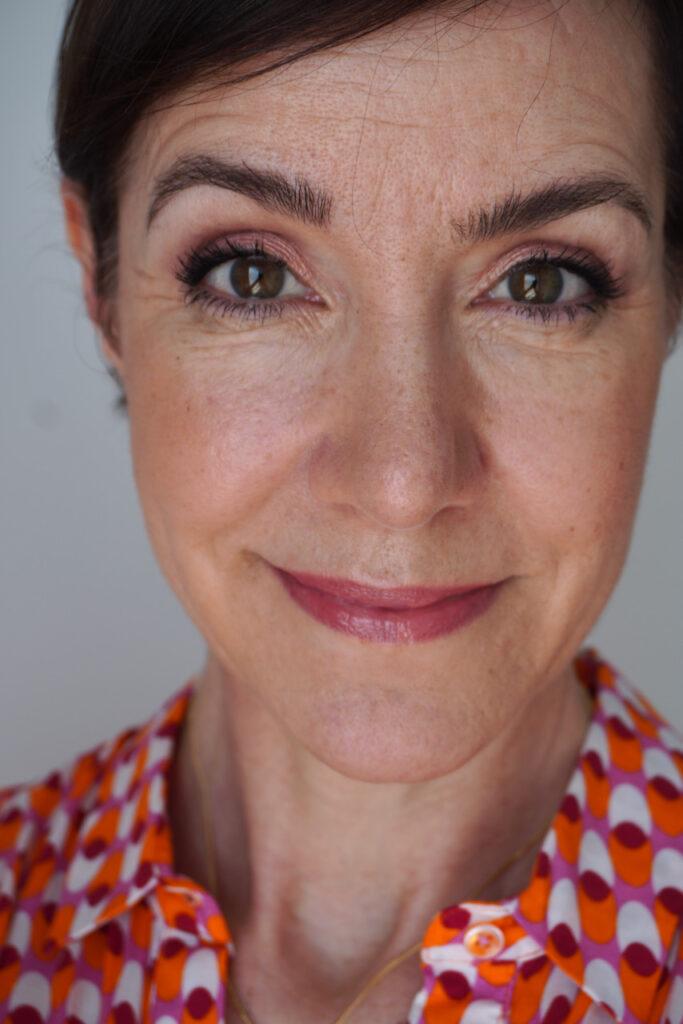 Augen, Make up, Violett, Apricot, Schminktipps, Make up Tutorial, Schminkanleitung, Schminktante, Anja Frankenhäuser