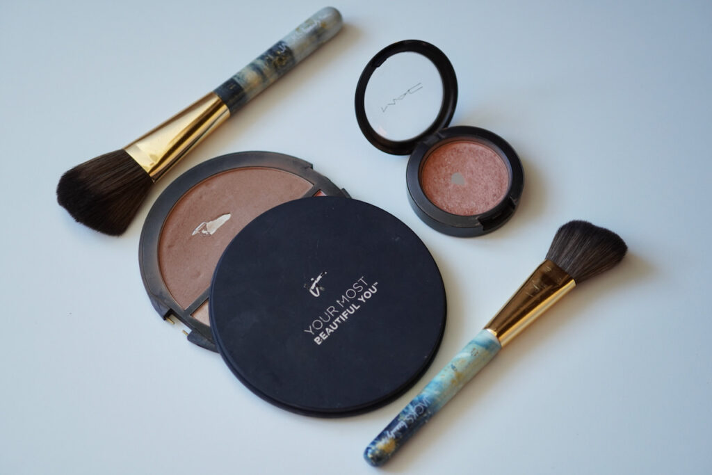 Augen, Bronzer, Rouge, Make up, Violett, Apricot, Schminktipps, Make up Tutorial, Schminkanleitung, Schminktante, Anja Frankenhäuser