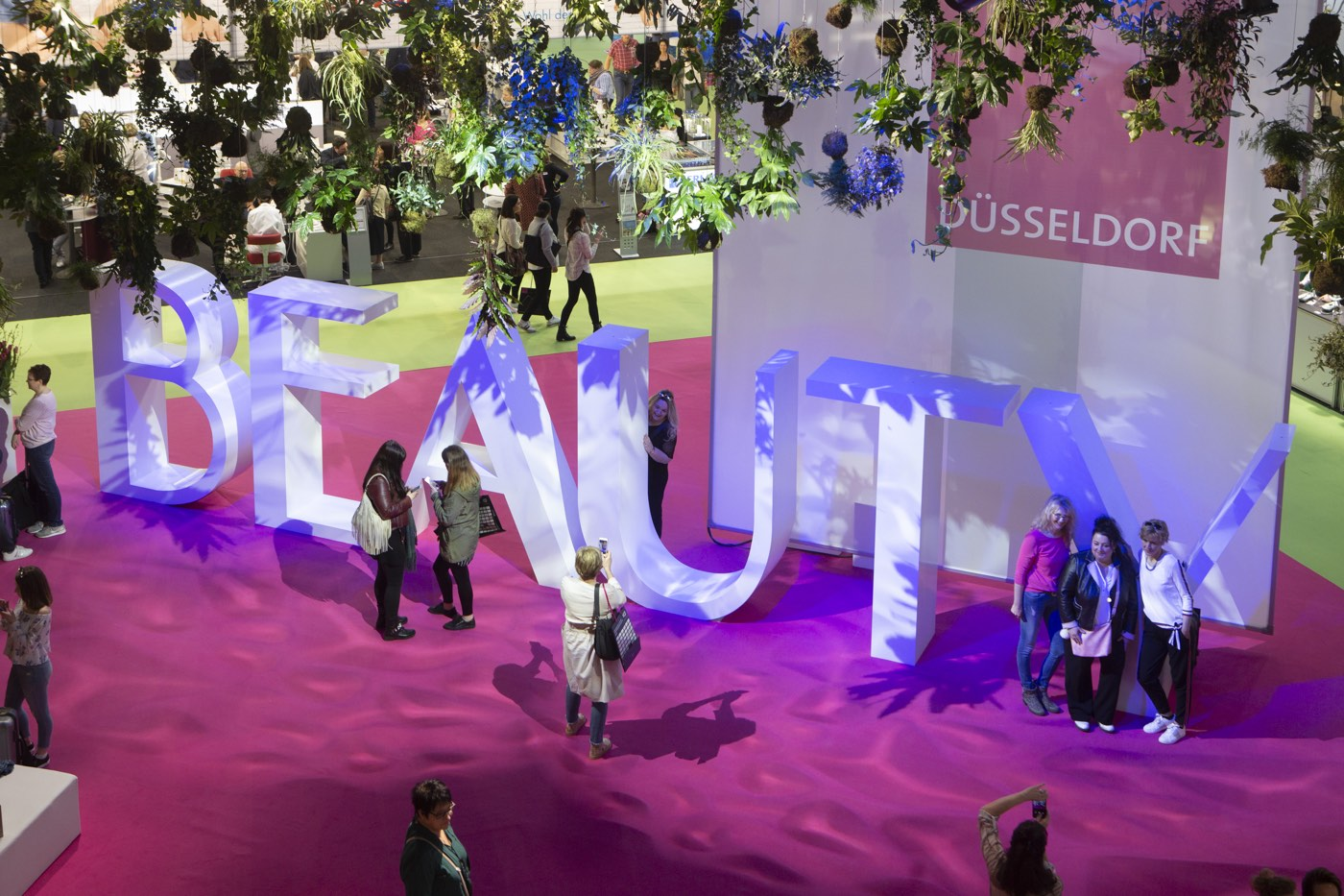 Beauty Düsseldorf 2019. Und die Schminktante mittendrin. Eine kleine Rückschau auf 3 spannende Tage auf der größten deutschen Fachmesse für Beautyangelegenheiten.