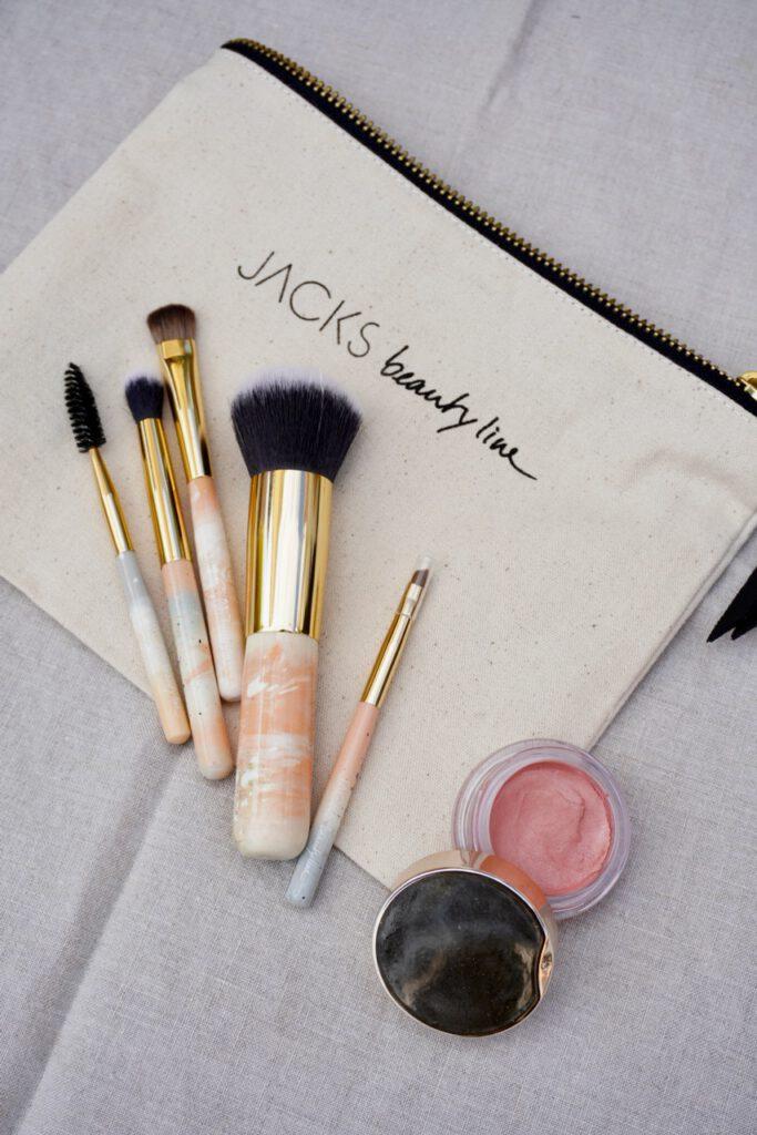 Monatsrückblick, Beautyblog, Top-Blog, Beautybloggerin, Schminktante, Anja Frankenhäuser, Make up Artist, Make up Profi, Jacks Beautyline, Schminken, Schminkpinsel, Rabattcode