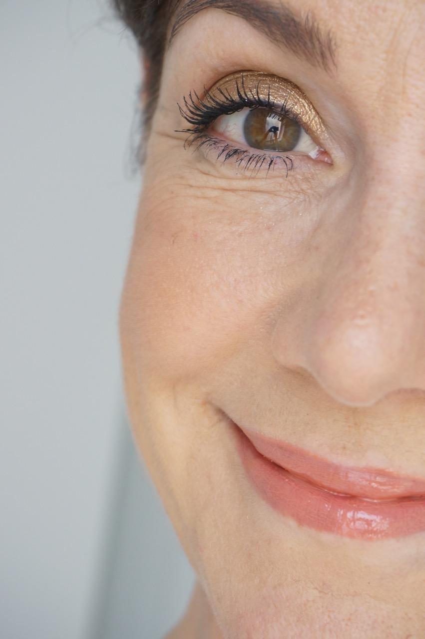 Neue Produkte aus dem Hause Clarins. Im Sommer 2019 wird Euer Augen Make up schöner denn je.