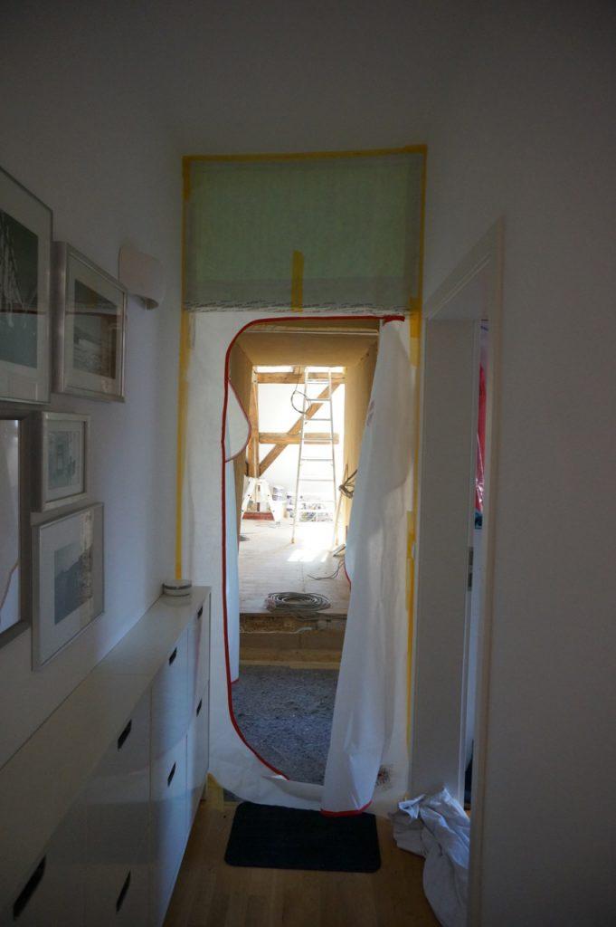 Karlsruhe, Umbau, Ausbau, Dachausbau, Renovieren, Bauen, Hausbau, Living, Schminktante, Anja Frankenhäuser, Staubschleuse, Durchbruch
