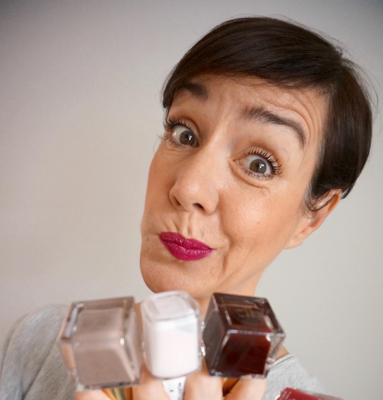 Welcher Nagellack passt farblich zu welchem Lippenstift? Muss man immer die passenden Farben zusammen tragen oder darf man variieren?