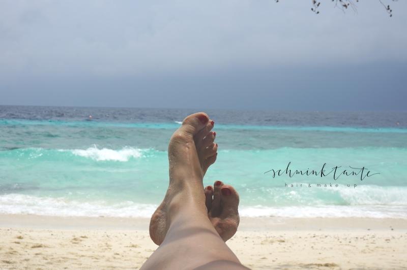 Sonnenbad, Füße, türkisblauer Ozean, Sonnenschutz, Malediven