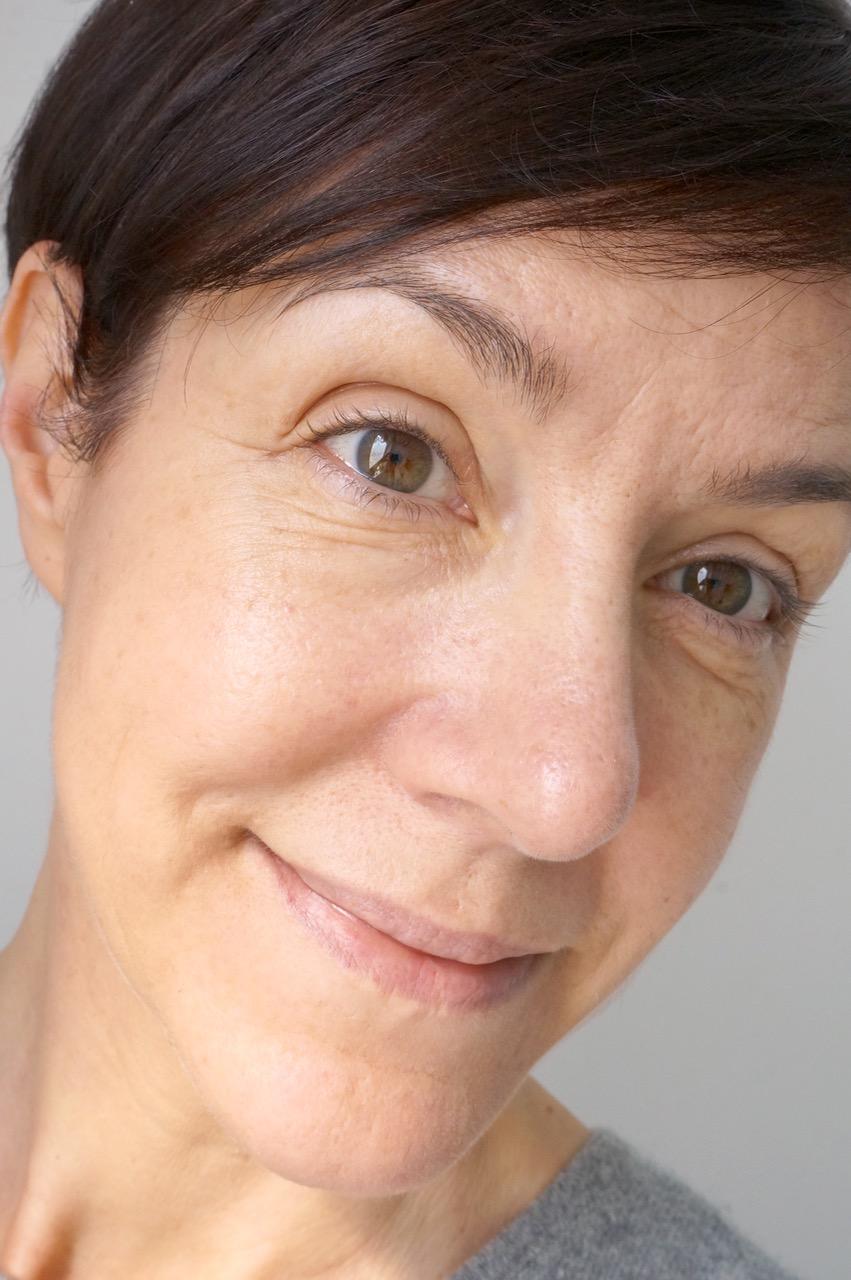 Schminktante Anja Frankenhäuser testet die CC-Cream von Erborian.