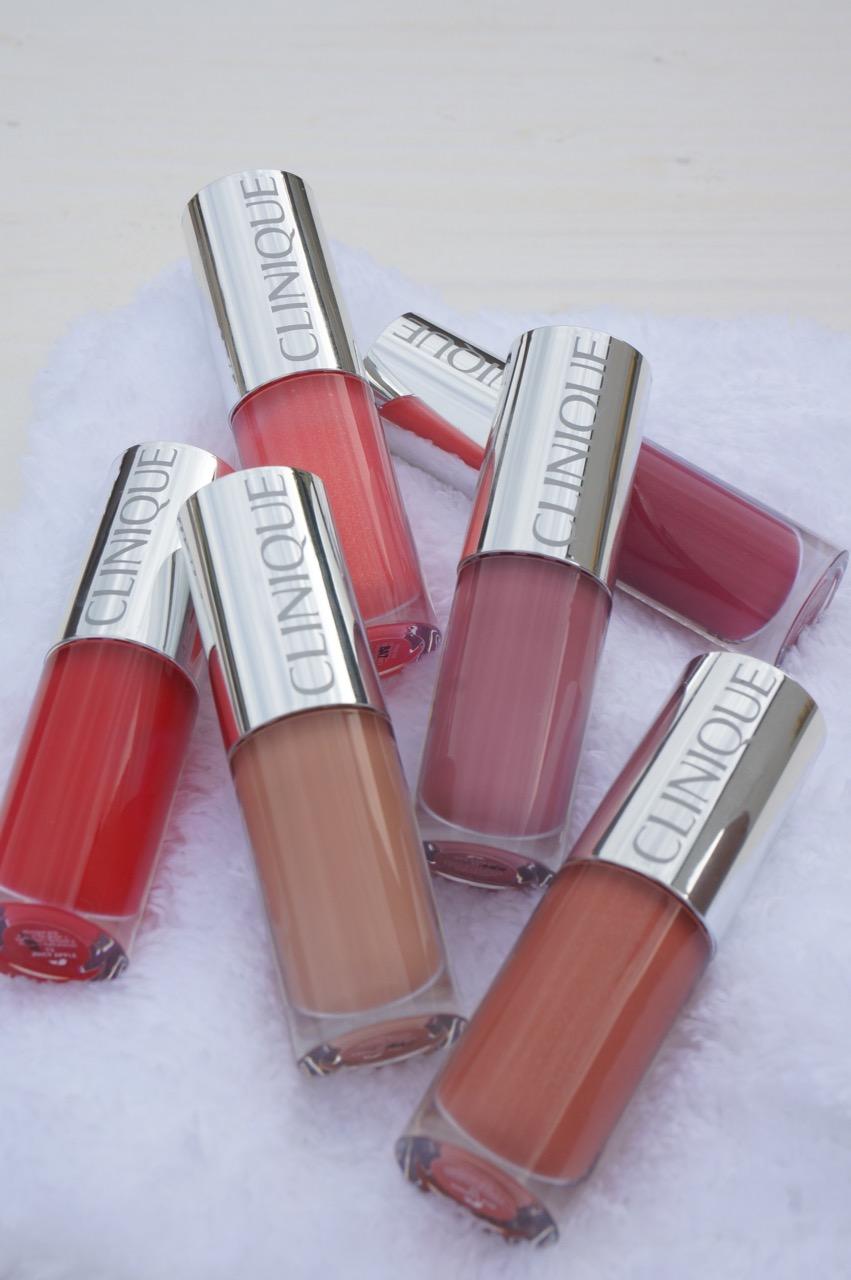 Lipgloss-Alarm bei Clinique. Aus der limitierten Edition mit Marimekko haben es 12 Nuancen ins permanente Sortiment geschafft. 6 davon hat die Schminktante ausprobiert.