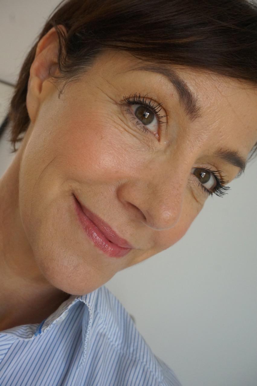 Seit Juli gibt es die amerikanische Kultmarke IT Cosmetics auch in Deutschland bei Douglas zu kaufen. Halten die Produkte, was sie versprechen? Schminktante Anja Frankenhäuser war zur Presseeinführung in Berlin dabei.