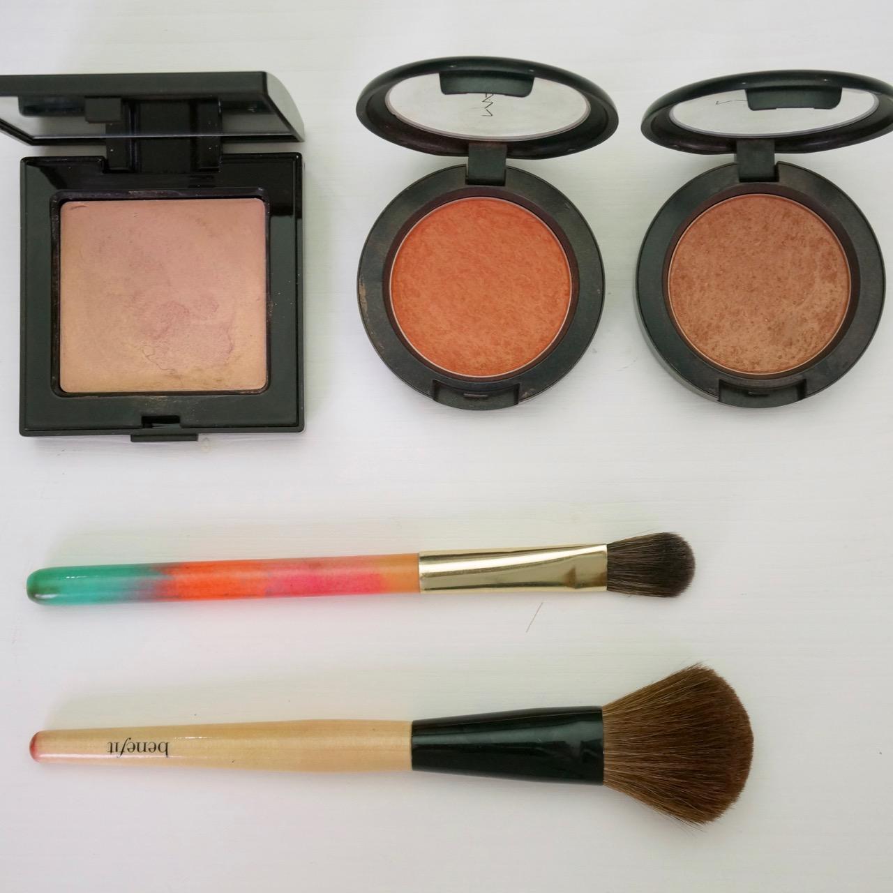 Ein Make up, 3 Gesichter - hier mit dem Fokus auf die Frische, die mit Rouge und Highlighter erzeugt wird.