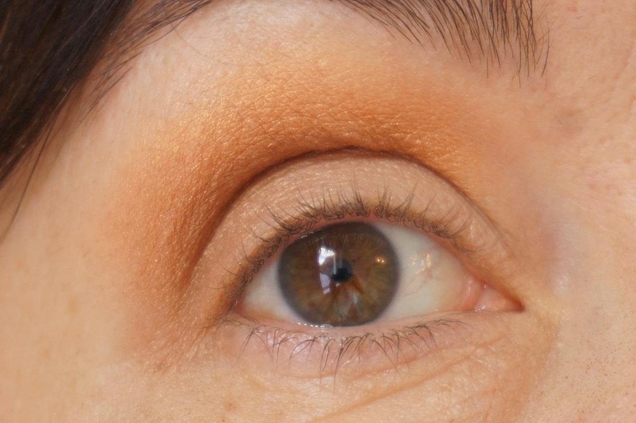 Orange ist Trendfarbe des Aommers 2017 und sieht toll auf dem Augenlid aus, wenn man ein paar Dinge beachtet.