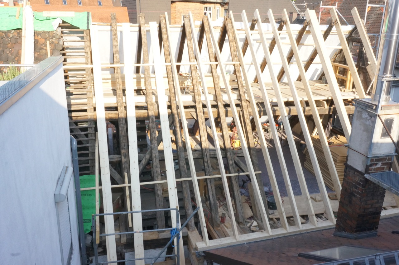 Hausbau kostet Nerven und Geduld. Eine kleine Dokumentation vom Ausbau unseres Dachstuhls.