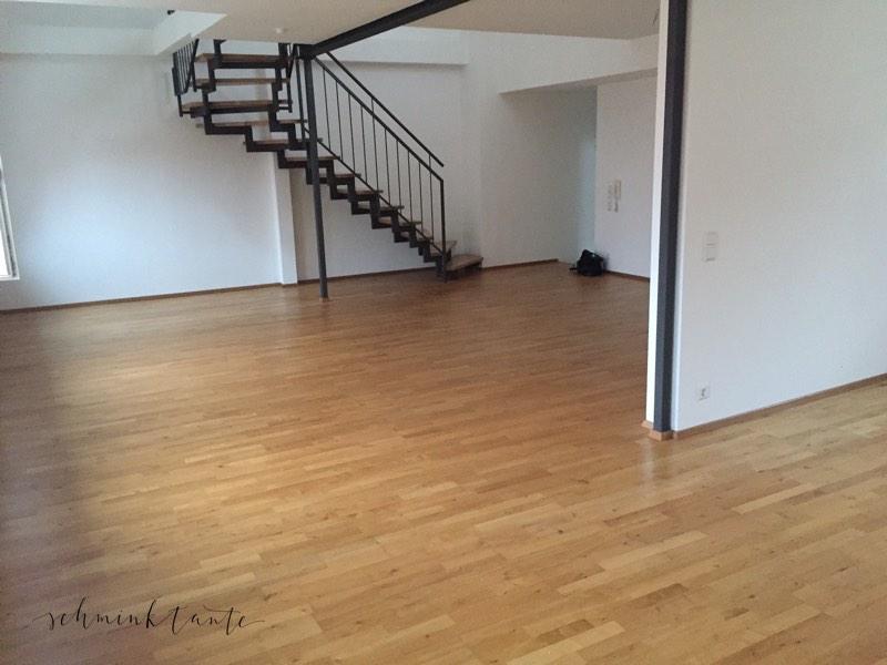 Ansicht des unmöblierten Wohnzimmers in unserer neuen Wohnung in Karlsruhe Durlach.