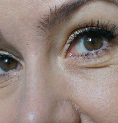 Make up fürs Fest: So geht das mit den falschen Wimpern