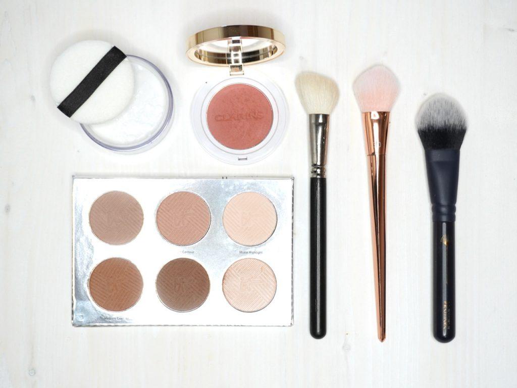 Corona, Homeoffice, Make up, Onlinemeeting, Schminken für die Kamera, TV-Make up, Make up Tipps, Schminktipps, Modeflüsterin, Schminktante, Anja Frankenhäuser, Top-Blog