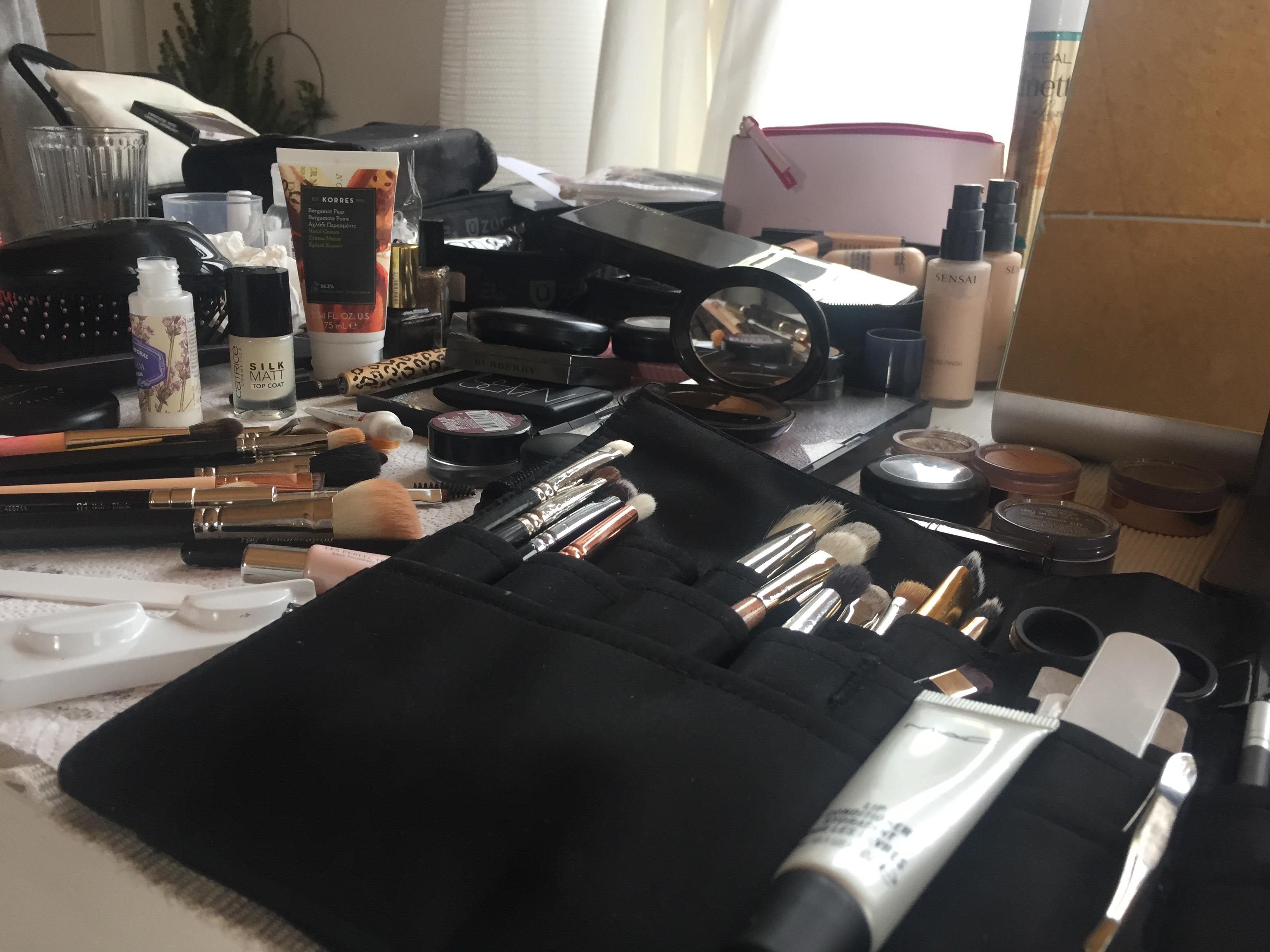 Weihnachten 2017: Verschenkt ein Beautycoaching mit der Schminktante - Ihr persönliches Make up Training mit Profi Make up Artist Anja Frankenhäuser.