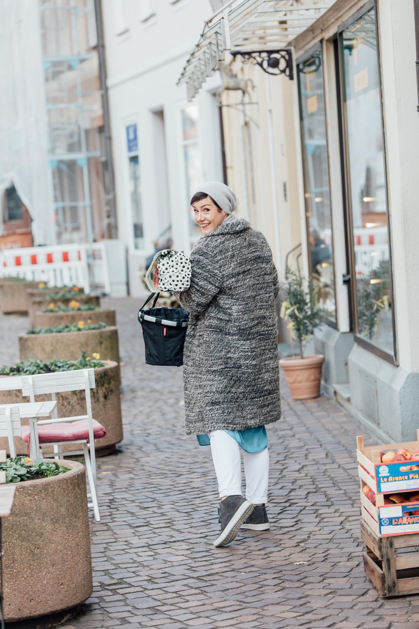 In Kooperation mit Hartjes-Schuhen entstand eine wunderbare Fotostrecke, in der Sie Schminktante Anja Frankenhäuser mit durch ihr neues Zuhause Karlsruhe nimmt.