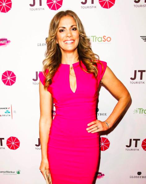 Moderatorin und Yoga-Expertin Kerstin Linnartz zu Gast im Beautyinterview auf dem Schminktantentblog.