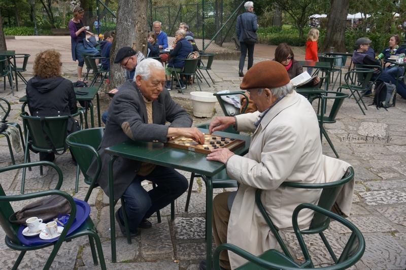 Menschen, Schach, Spiel, Park, Männer, Lissabon, Portugal, Reiseblog,  Reise, Reisetipps, Reisen, Travel