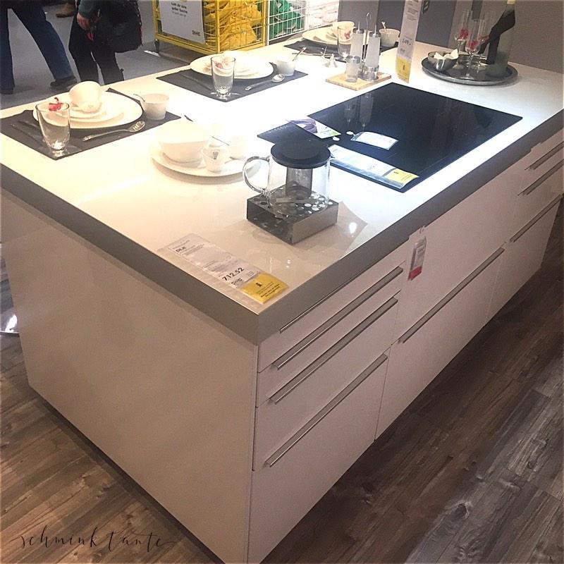 Eine Musterküche bei IKEA.