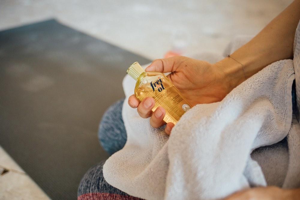Auf in den Sommer: mit glatter und straffer Haut. In einer Kooperation mit frei Öl® hat Schminktante Anja Frankenhäuser das neue FigurÖl getestet und verrät ihre persönlichen Tipps für straffe Haut.