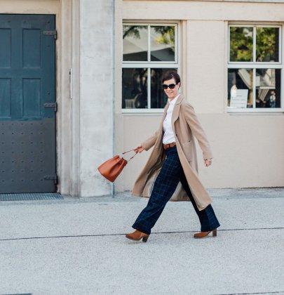 Frauen in Hosen – Herbstmode mit PETER HAHN