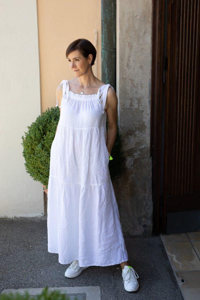Bloggeraktion, Modeflüsterin, Sommer, Sommerkleid, leinen, Leinenkleid, weißes Kleid, Kleider, Fashion, Mode, Schminktante, Anja Frankenhäuser, Sommerlook, Sommeroutfit