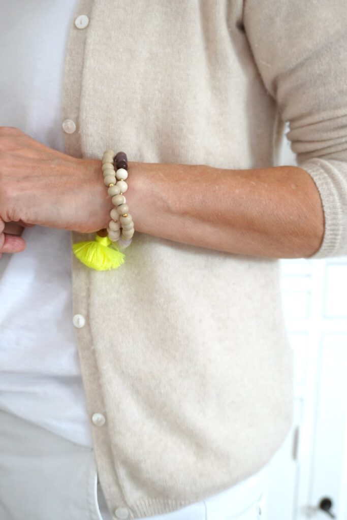 Schmückstück, Schmuck, Modeschmuck, Armband, Schminktante, Perlen, Neon, Mode, Fashion, Anja Frankenhäuser, Nude, Edelsteine