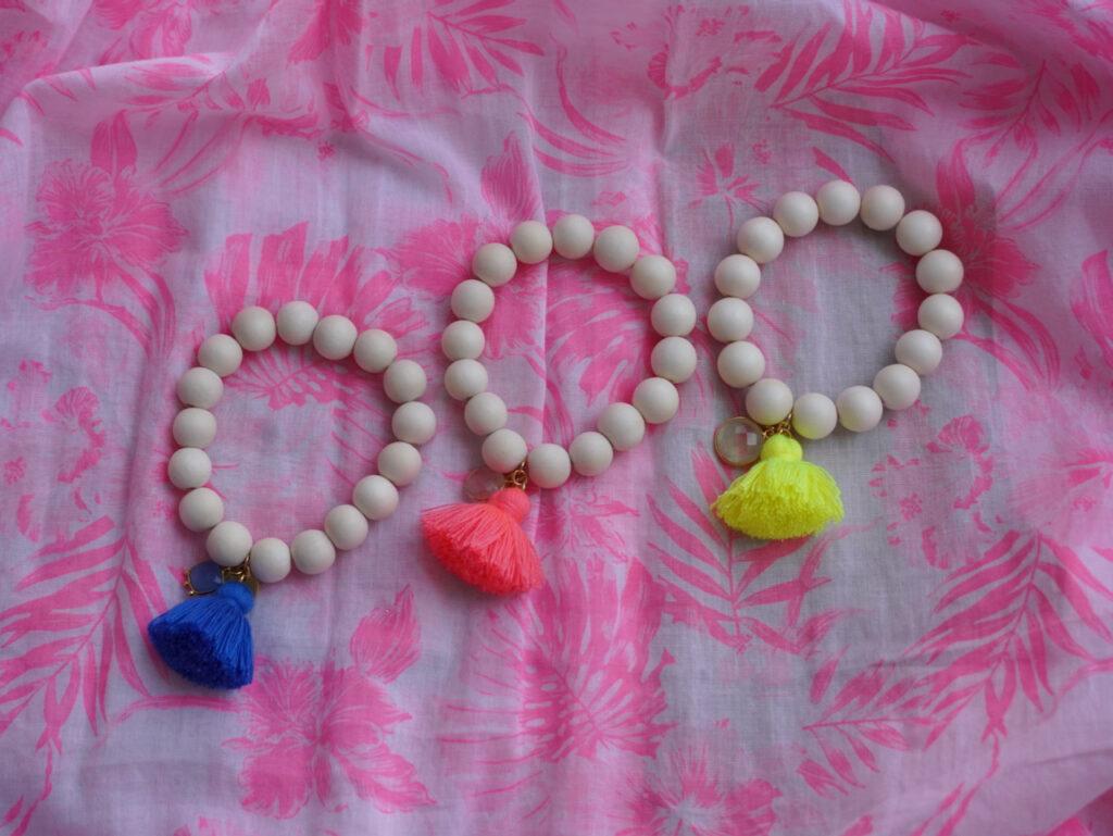 Schmückstück, Mala, Armband, Perlen, Edelsteine, Modeschmuck, hochwertig, Fashiontrend, neon, Schminktante, Anja Frankenhäuser, 10% Rabatt