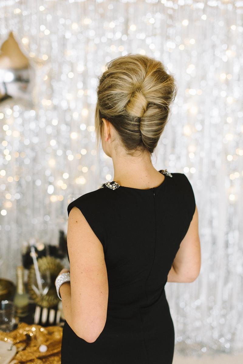 Elegante Steckfrisur im Stil der Sixties.