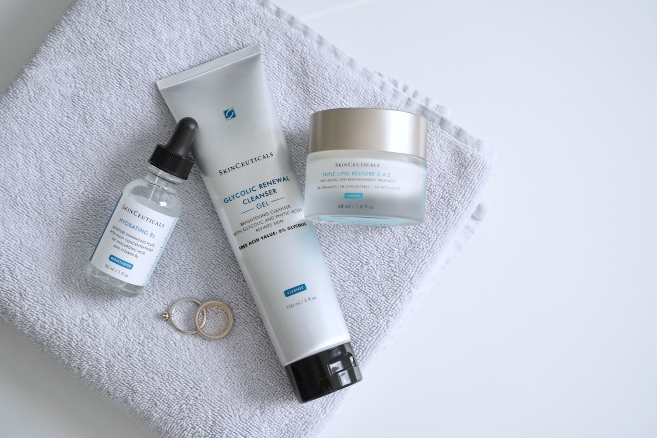 SkinCeuticals, Anti Aging, Hautpflege, Schöne Haut, Feuchtigkeitspflege, Pflegecreme, Faltencreme, trockene Haut, reife Haut, Schminktante, Anja Frankenhäuser, Sonnenschutz