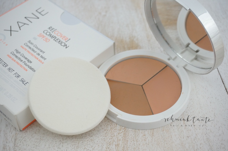 Teoxane Recover Compact Foundation mit 3 Farbtönen.