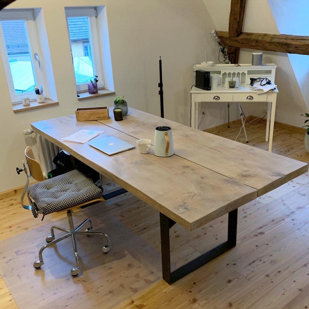 Tisch, Esstisch, Handwerk, Schreinerei Weichenberger, Eichenholztisch, massiver Tisch, einrichten, wohnen, Wohnideen, Schminktante, Anja Frankenhäuser