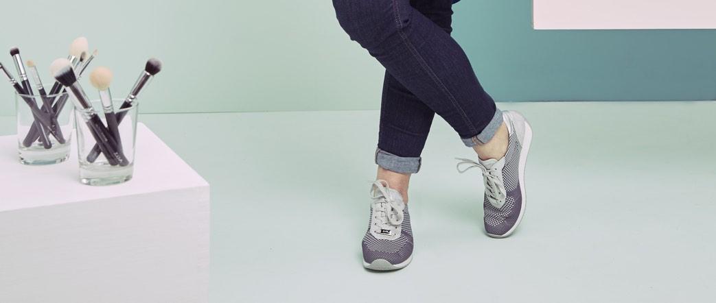 Die Schminktante und der neue Sneaker Fusion4 von ara im aktuellen Sister Mag.