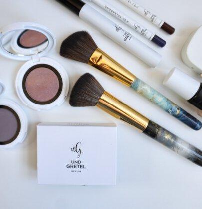 Augen-Make up Tutorial: Lavendeltöne und blauer Kajal