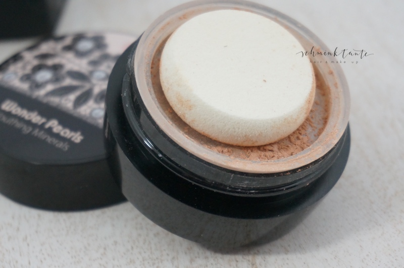 Mineral Make up mit Glow.