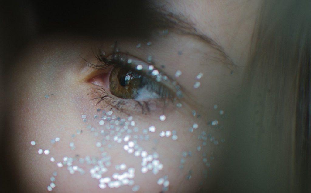 Schlupflid, Schminktipps, Schminkberatung, Augen Make up, Make up, Schminktante, Anja Frankenhäuser, Top-Beautyblog, Top-Blogger, Flitter, Glitzer