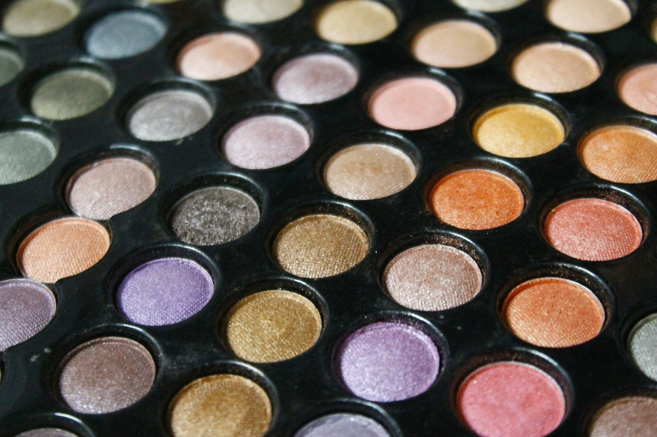 Lidschattenfarbe, Augenfarbe, Lidschatten, Augenfarbe, Schminktipps, Schminken, Make up, Schminktante, Anja Frankenhäuser, Make up Artist, Top-Beautyblog