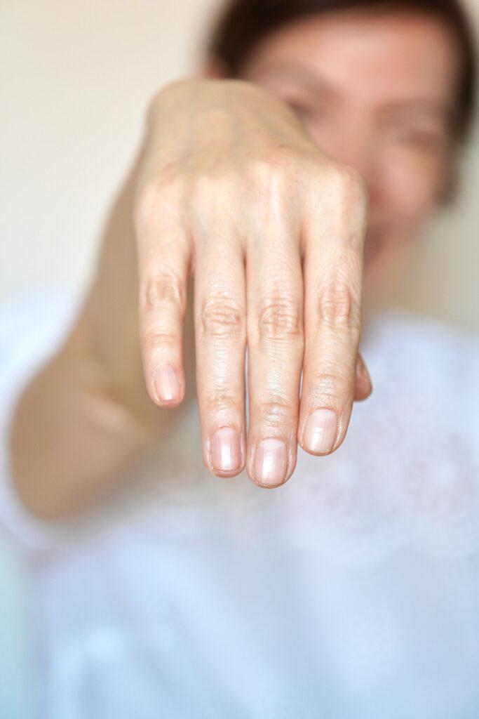 gitti, Nagelpflege, Maniküre, Hände, Handpflege, Fingernägel, splitternde Nägel, brüchige Nägel, gesunde Fingernägel, Beautytipps, Schminktante, Anja Frankenhäuser