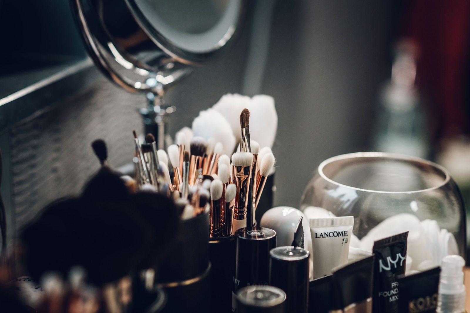 Beautytipps für die Sommerhitze. Hautpflege und Make up im Sommer 2018. Zusammengestellt von Schminktante Anja Frankenhäuser.