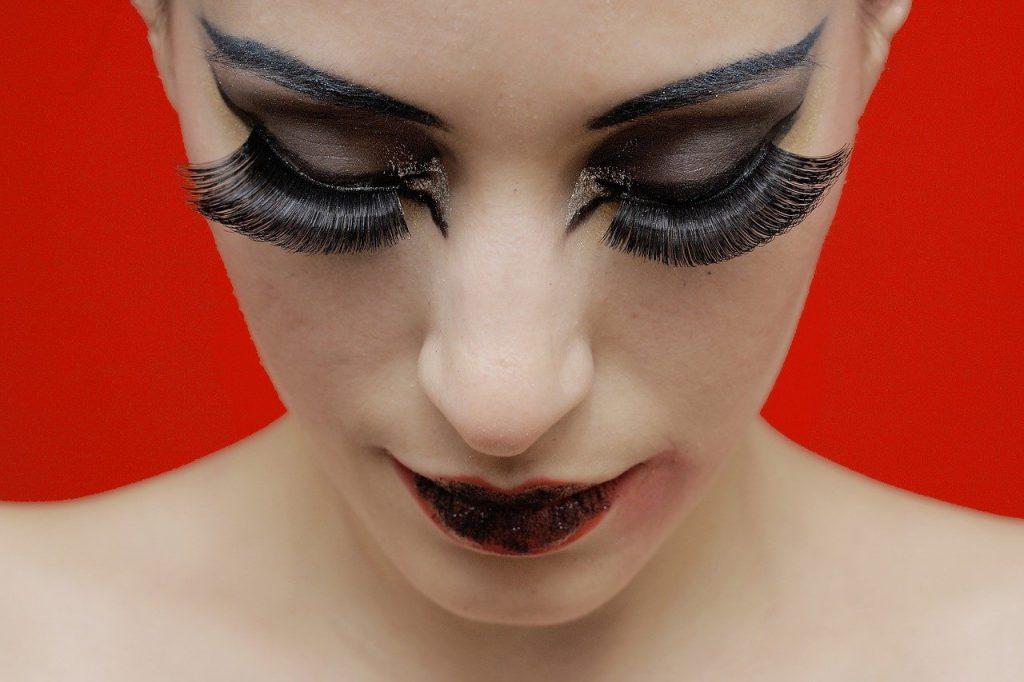 Schlupflid, Schminktipps, Schminkberatung, Augen Make up, Make up, Schminktante, Anja Frankenhäuser, Top-Beautyblog, Top-Blogger, Fake Lashes, Wimpernextentions