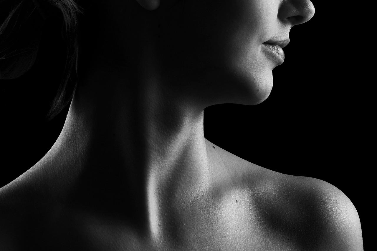 Wer seine Haut richtig pflegen will, muss seinen Hatzustand sehr genau kennen, sonst hilft die beste Pflege nichts.