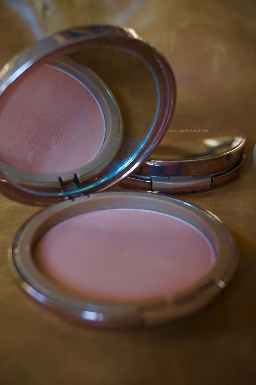 Mineral-Make up von nude by nature - was kann es und was sind die Unterschiede zu herkömmlichen Make up Produkten?