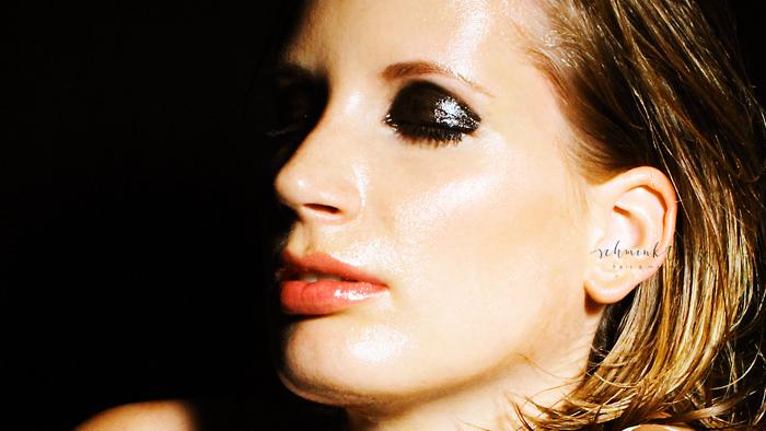 Haut, Hauttyp, Hautzustand, trockene Haut, rauhe Haut, Hautpflege, Hautreinigung, Reinigung, Gesicht, Gesichtshaut, Gesichtspflege, Schminktante