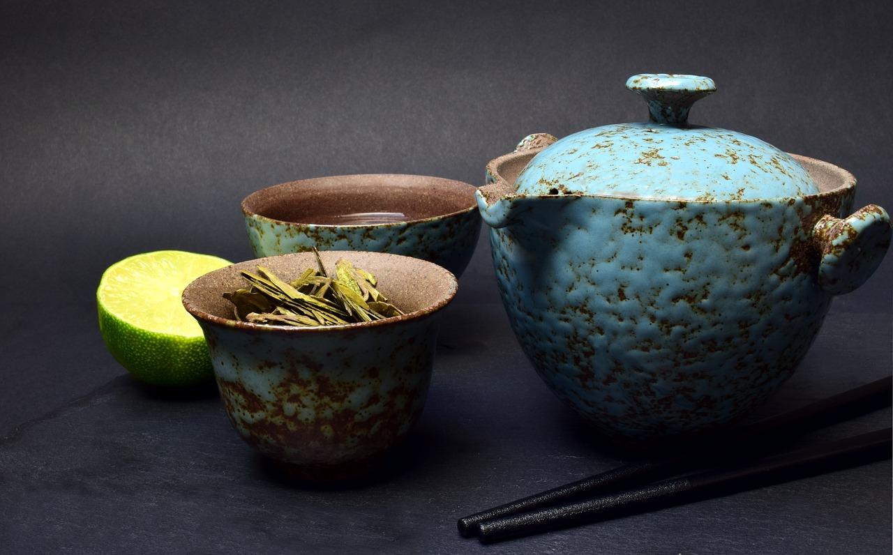Weil die Schminktante Tee liebt, gibt es auf ihrem Blog eine kleine Liebeserklärung an ihr favorisiertes Heißgetränk.