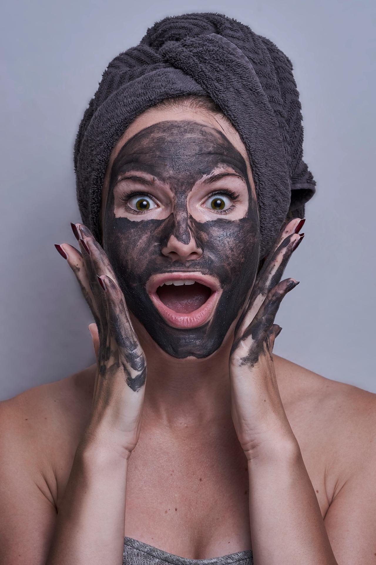 Welcher Hauttyp bin ich und welche Pflege ist die Richtige für meine Haut? Schminktante Anja Frankenhäuser erklärt Dir Deinen Hauttyp!